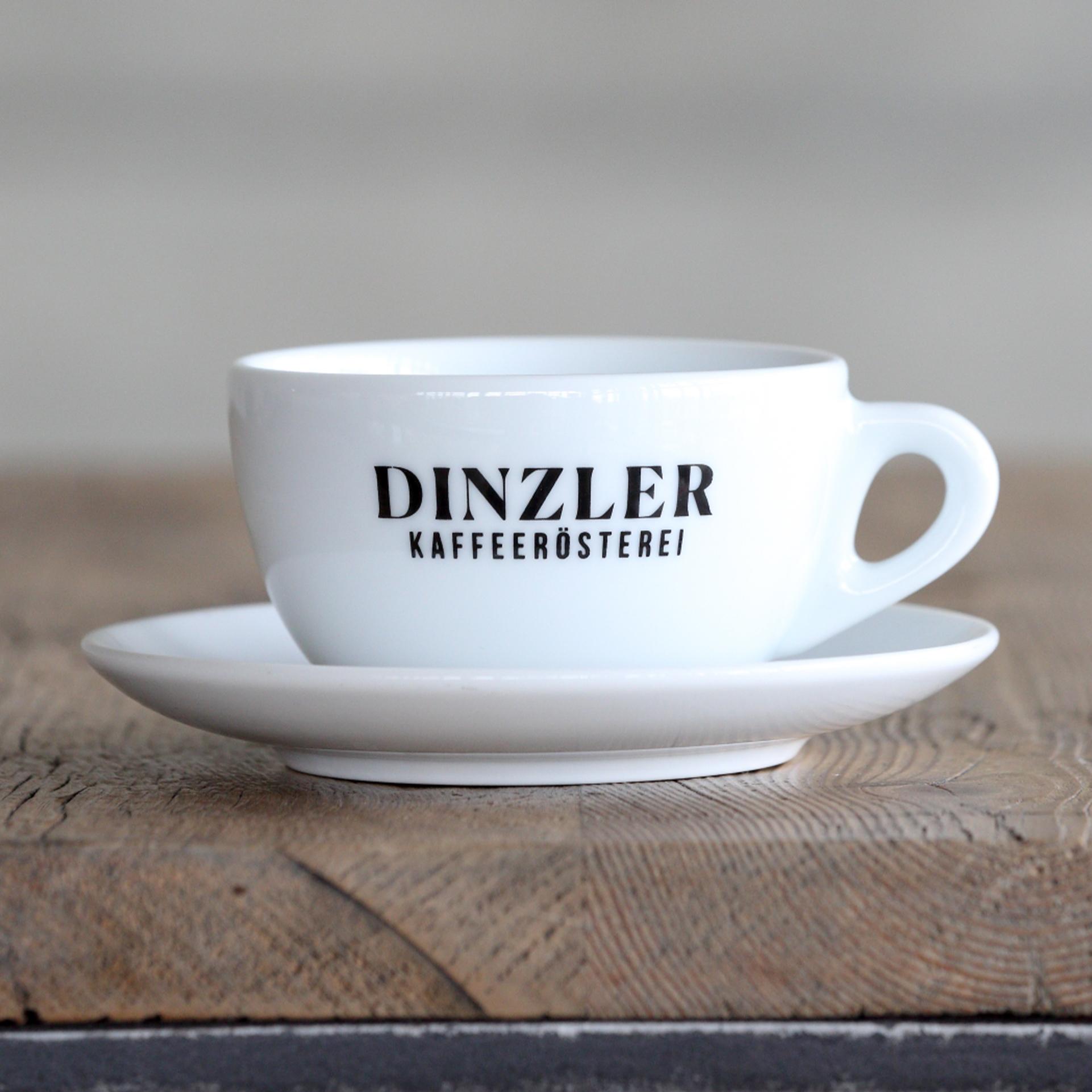 Große Cappuccino Tasse mit DINZLER Logo